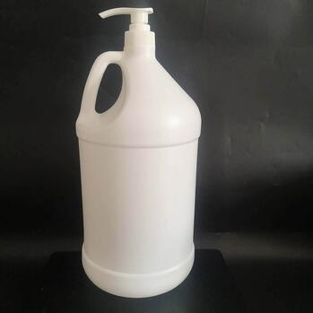 Gallon container and pump kit